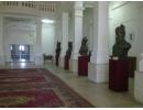 Muzeul de istorie - busturile celor mai bravi conducători români